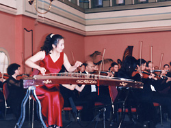 Lunlun Zou with symphonic orchestra